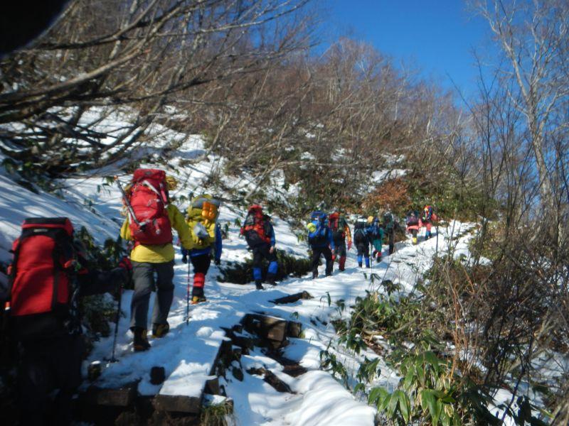 谷川天神尾根で雪上訓練