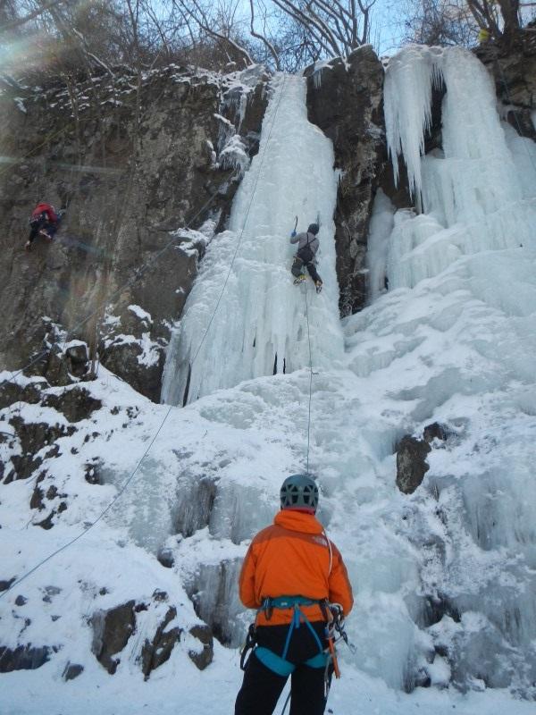 西上州神津牧場下の氷瀑