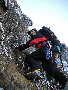 八ヶ岳 赤岳主稜 2P目 (たけのうち)