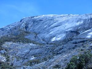 キナバルの大岩壁