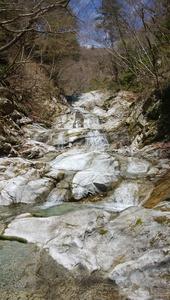 ユーシン桧洞3段のナメ 丹沢の春
